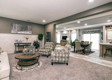 champion-homes-new-moon-7205-living-room-500x334-1